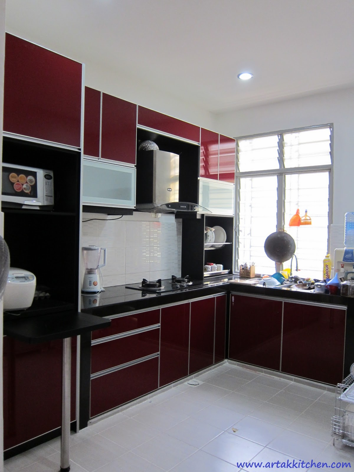 Intech kitchen sdn bhd new kitchen cabinet design for Latest kitchen cabinet design