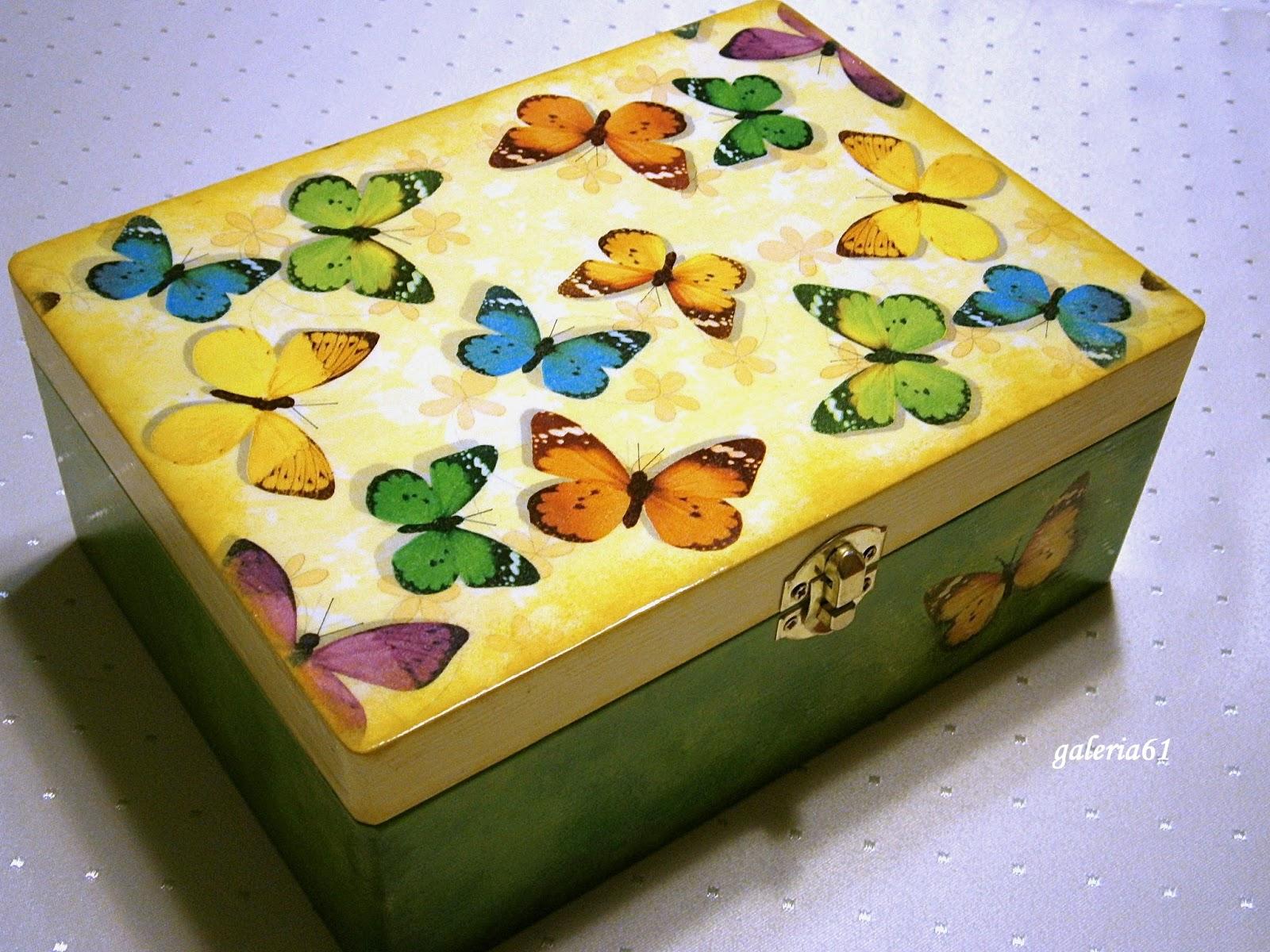 szkatułka decoupage z motylami