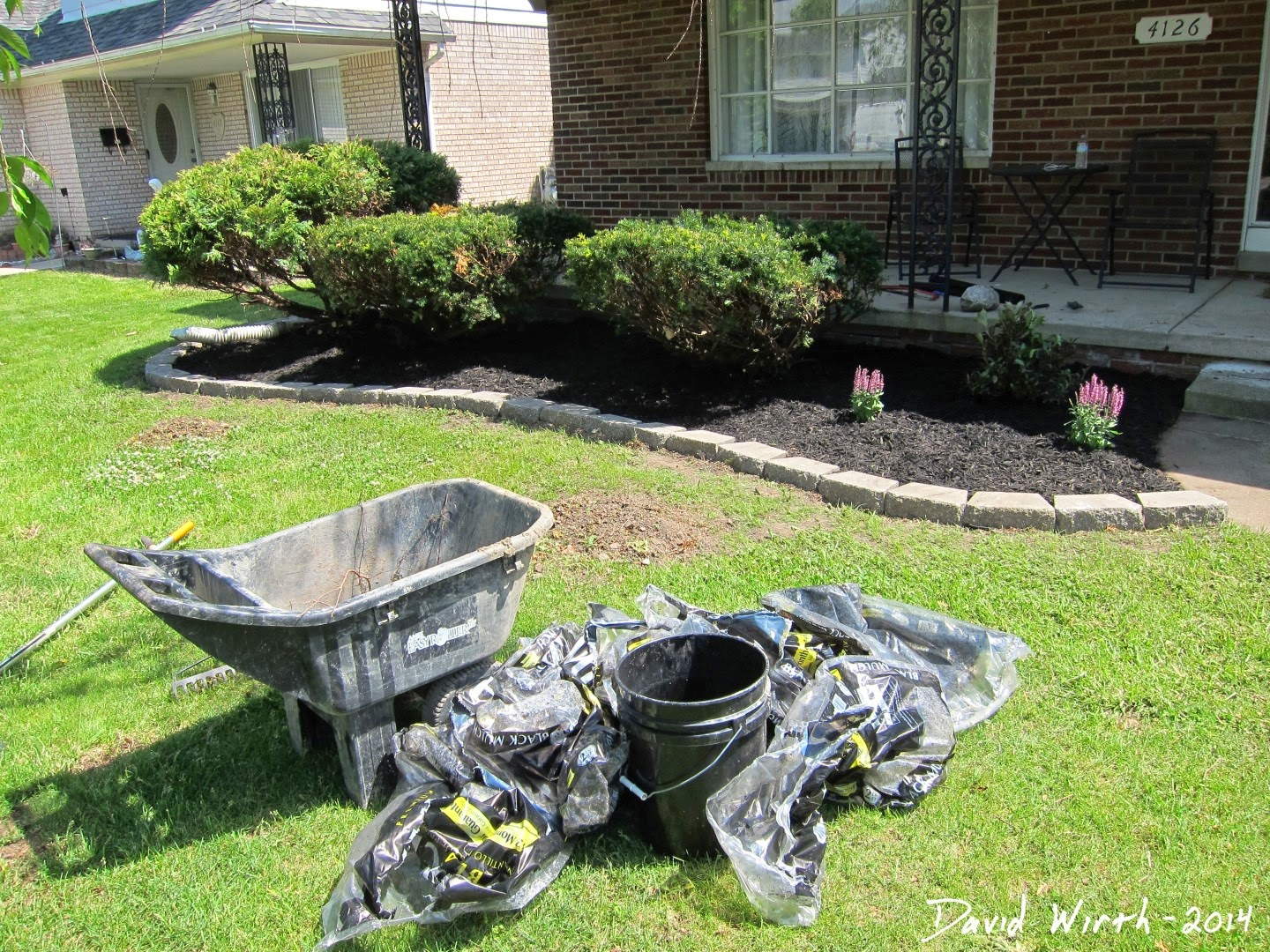 cost to landscape yard, mulch, price