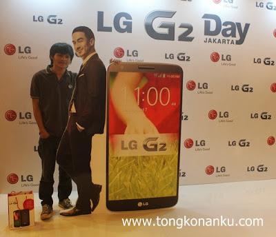 Feri, LG G2, dan Joe Taslim