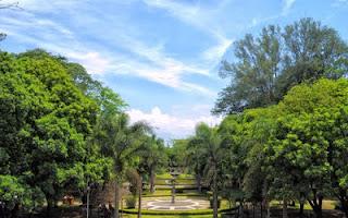 Wisata Taman Ghanesa Bandung