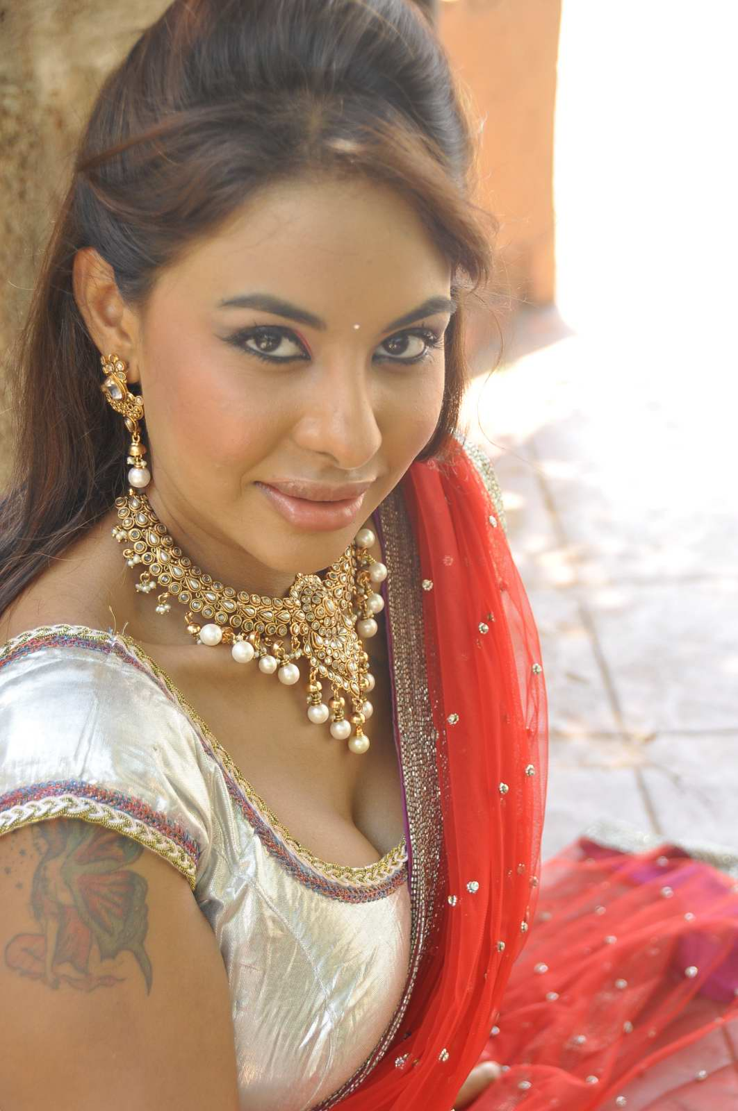 hot exotic naughty sexy lady Srilekha reddy latest hot photos in red saree