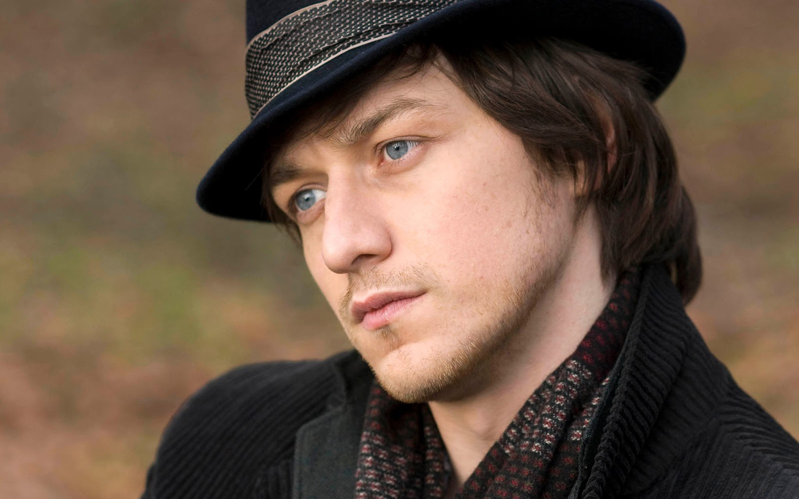 James McAvoy Charming Hollywood Actor Hd Wallpaper | Mow ...