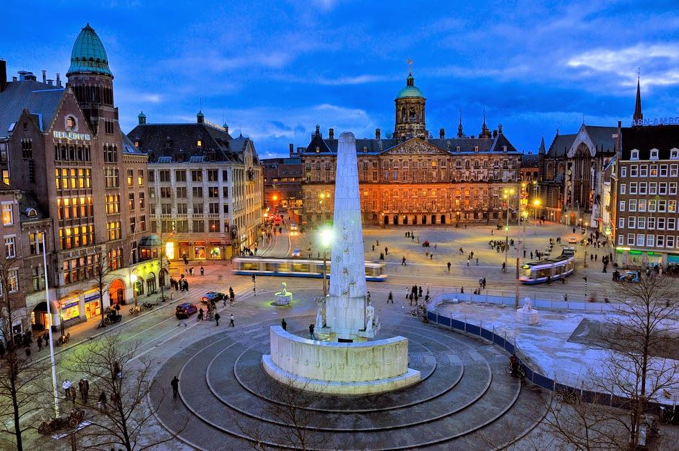 El Palacio Real y la Plaza Dam en Ámsterdam