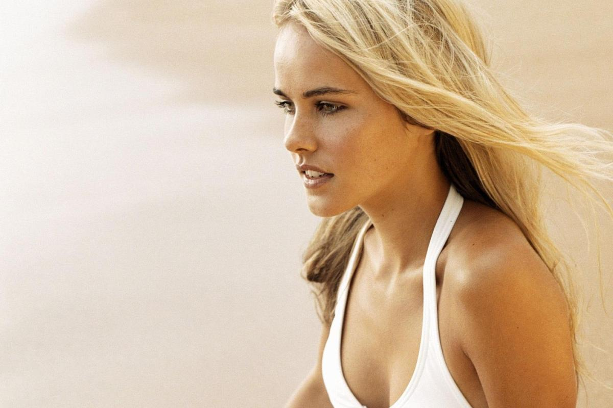 Isabel Lucas Widescreen Wallpaper 5
