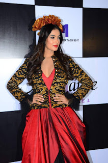 Sonal Chauhan walks the Ramp in a Deep Neck Red GOwn Spicy Pics