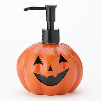 Kohl's, Kohl's Halloween Light-Up Pumpkin Soap Pump, soap, hand soap, hand wash, skin, skincare, skin care, hand sanitizer, Halloween, Halloween beauty products