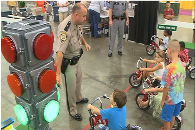 http://www.wlky.com/news/safety-town-program-provides-positive-interaction-between-kids-police/27589166#!bKpC0G