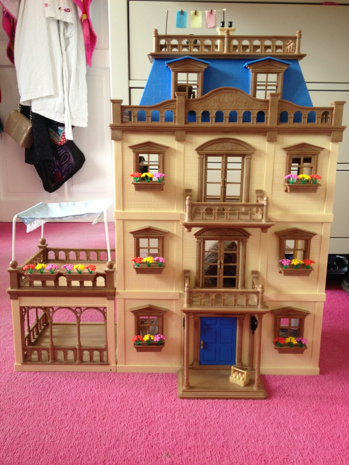 Lily 39 s sylvanian families blog vintage mansion nursery for A mansion house