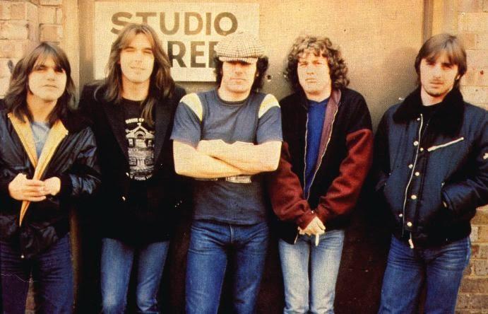 Daftar 10 Lagu Rock Terbaik AC/DC