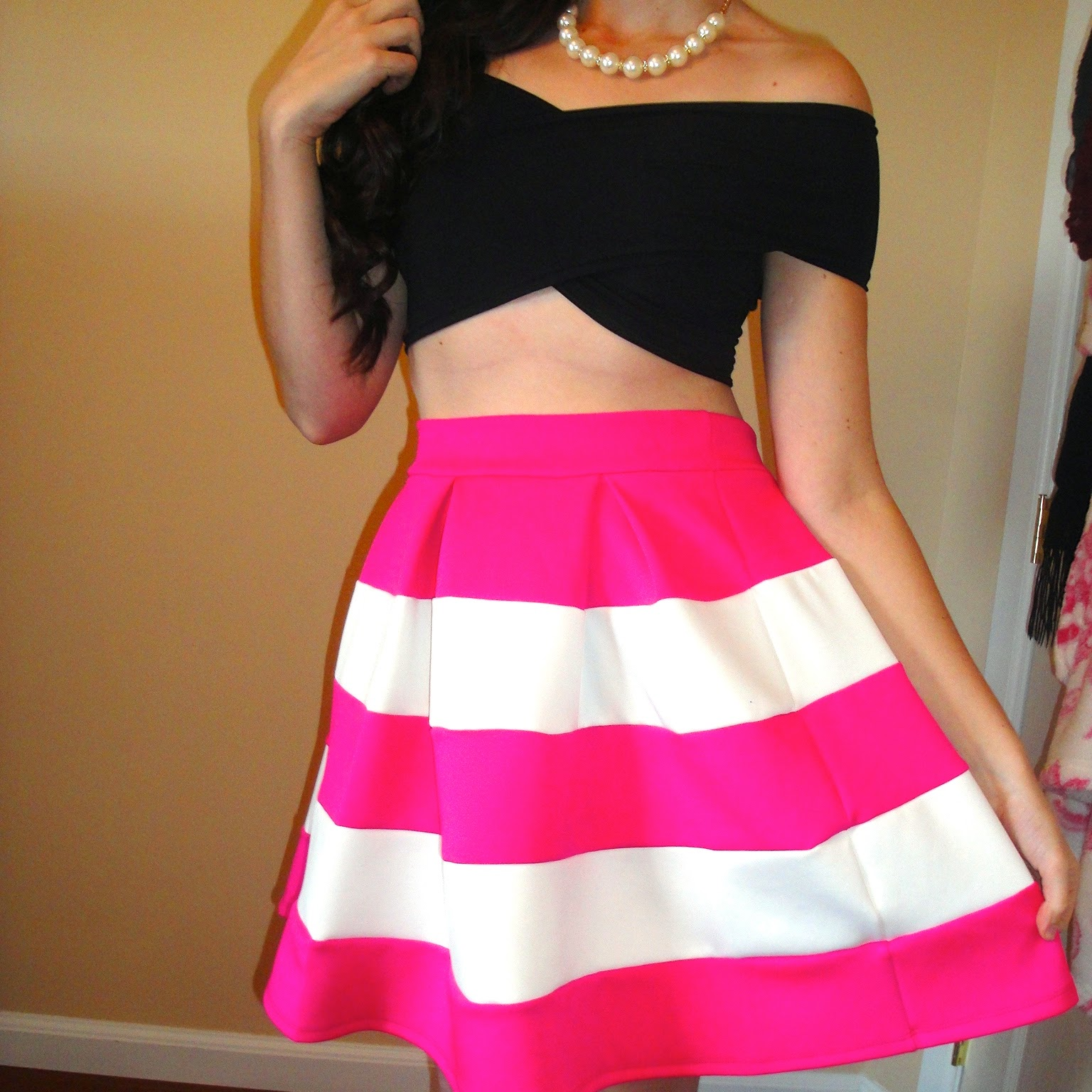 two ways to wear a criss cross crop top, crop top outfit, pink and white skater skirt, black and white skater skirt, flared skirts, blackfive, charlotte russe,