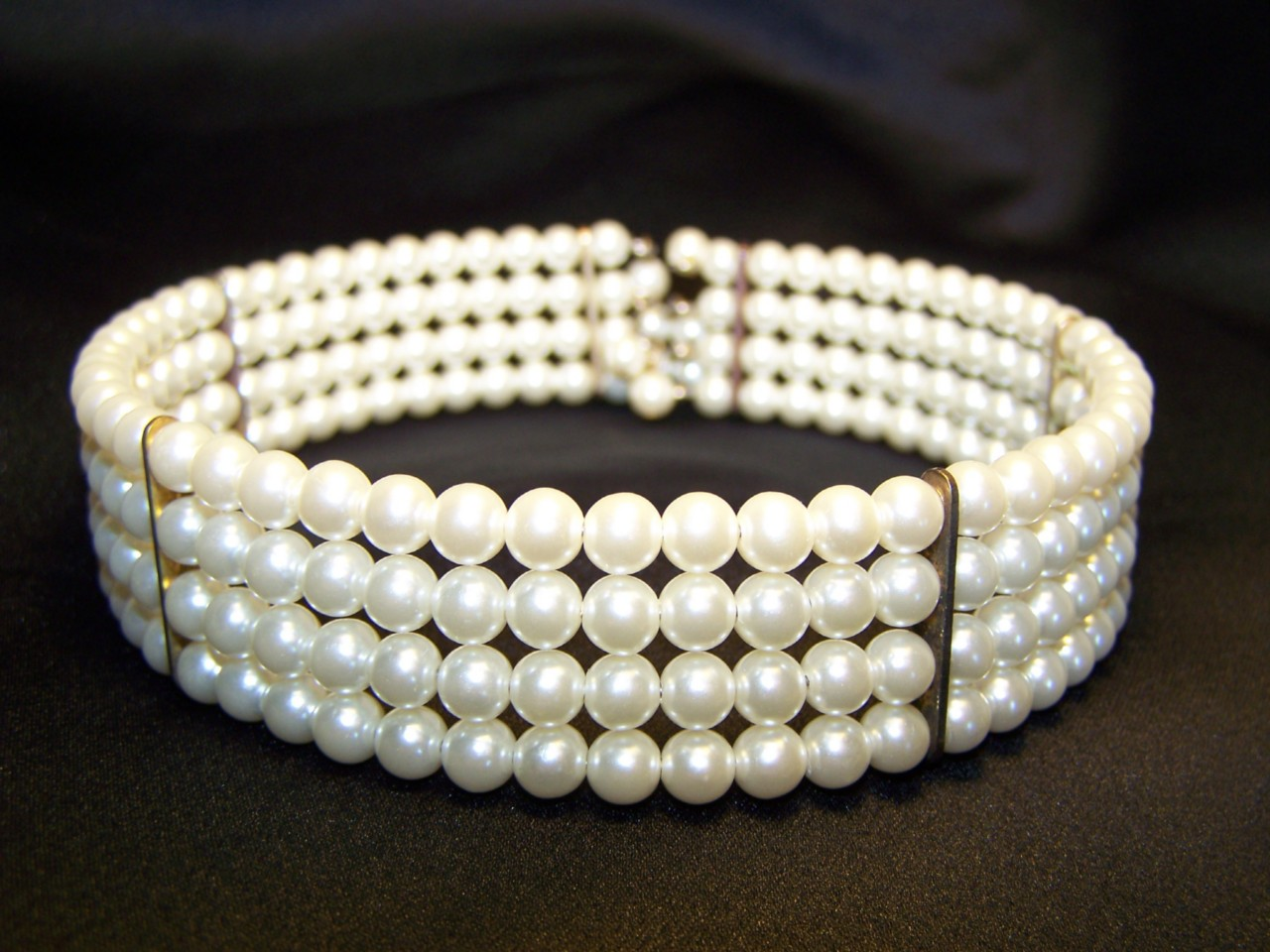 How to choose a right pearl necklace ~ Jewellery India