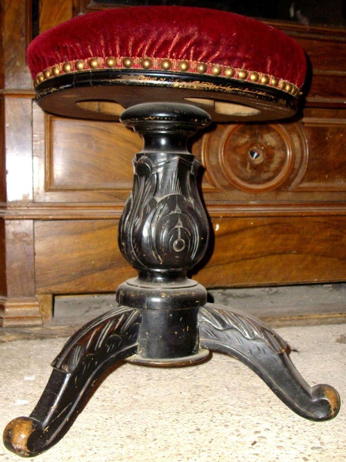 tabouret piano. Black Bedroom Furniture Sets. Home Design Ideas