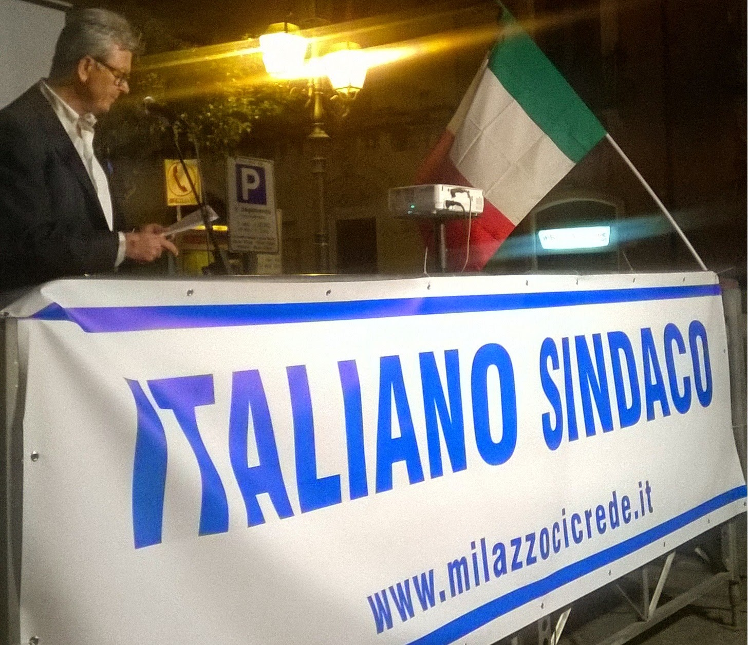 Italiano oggi 19 maggio incontra i cittadini di piazza san for Papino arredo