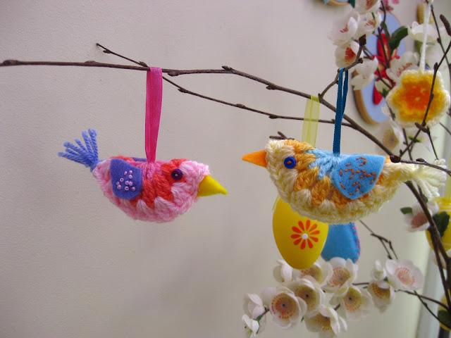 Amigurumi Bird Tutorial : Bunny mummy mini crochet bird a how to