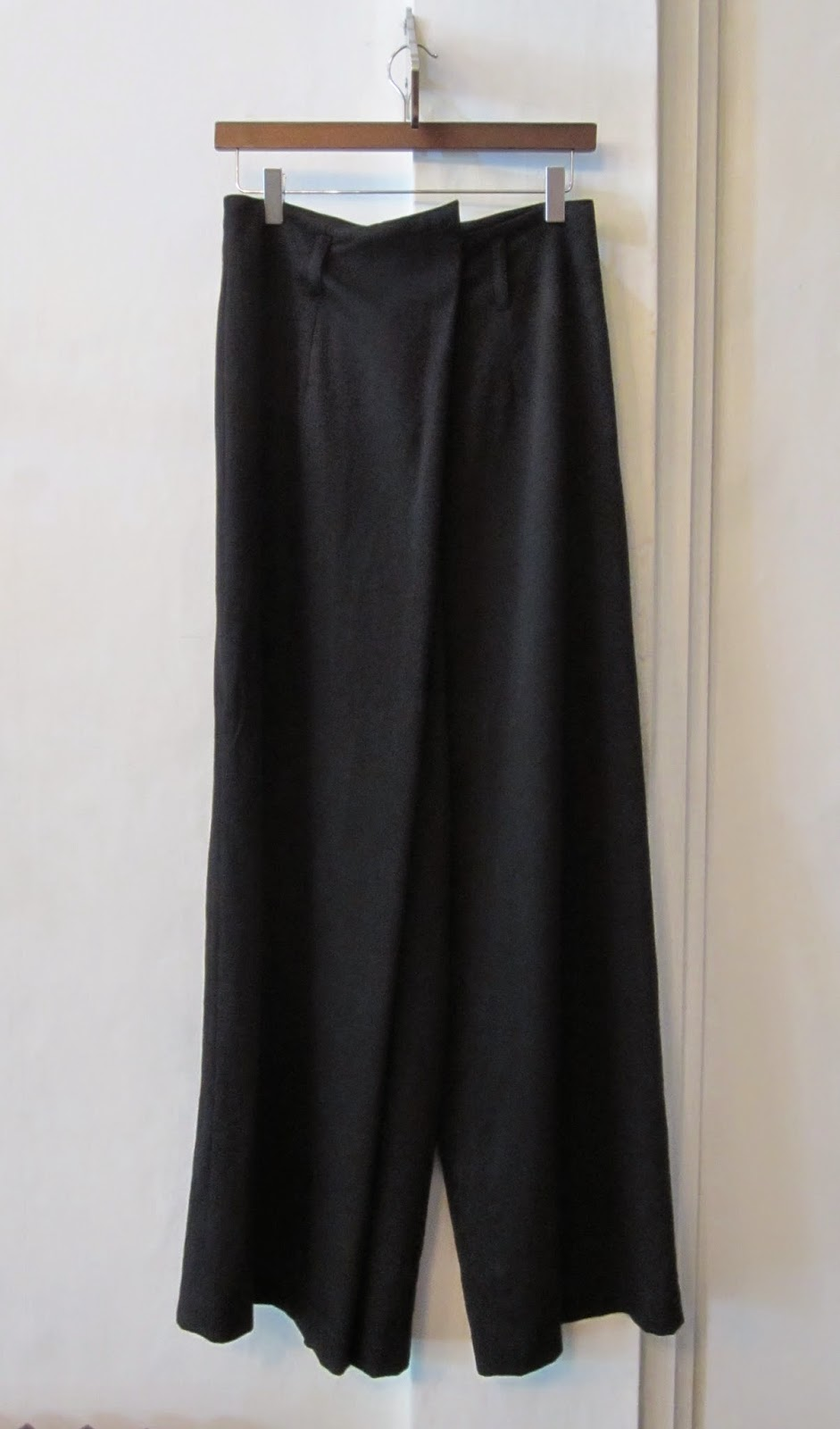 Sara Sturgeon Black Wool Culottes