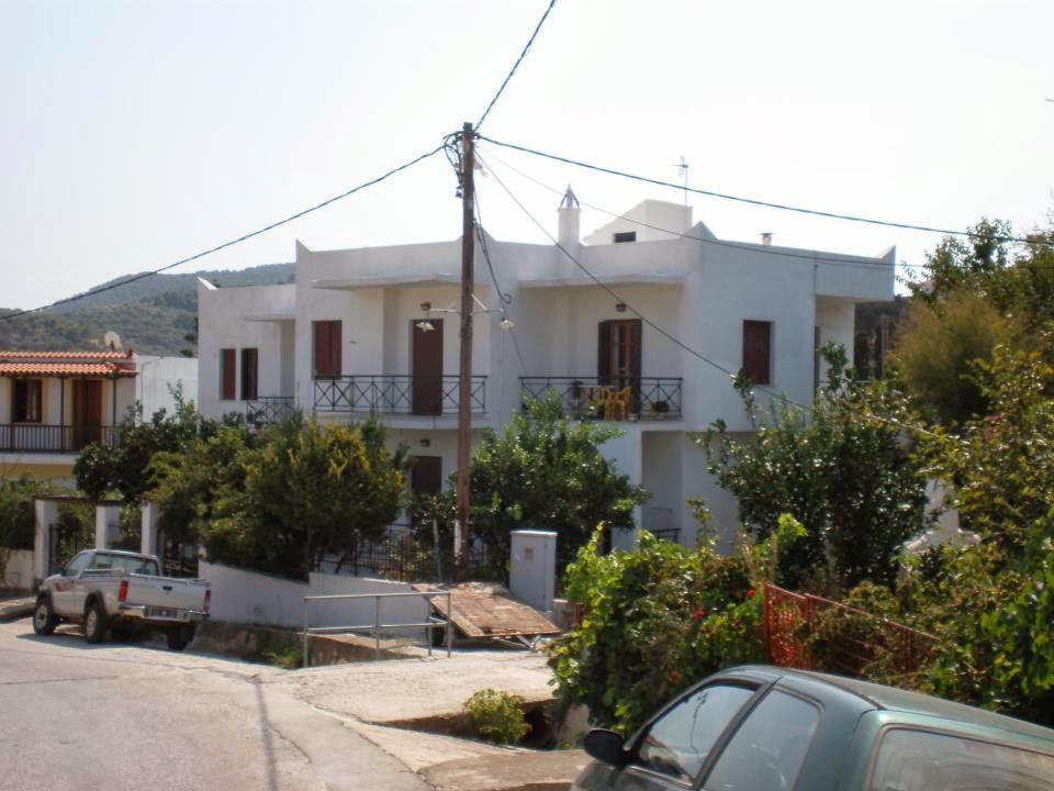 KARAGIOZOS - SKOPELOS