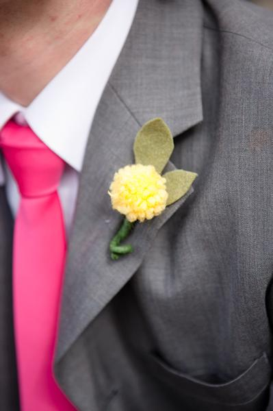 Do it yourself weddings do it yourself felt bouquets and boutonnieres this is a relatively simple diy project although it may take some time so dont leave it until the last minute solutioingenieria Image collections