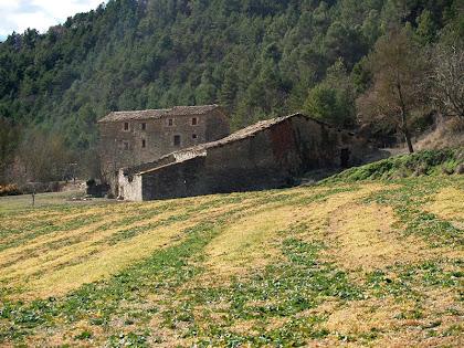 La masia de La Vall vista des de tramuntana