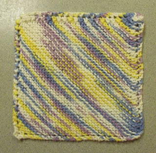Simple Dishcloth Knitting Pattern : KweenBee and Me: Knit a Simple Dishcloth