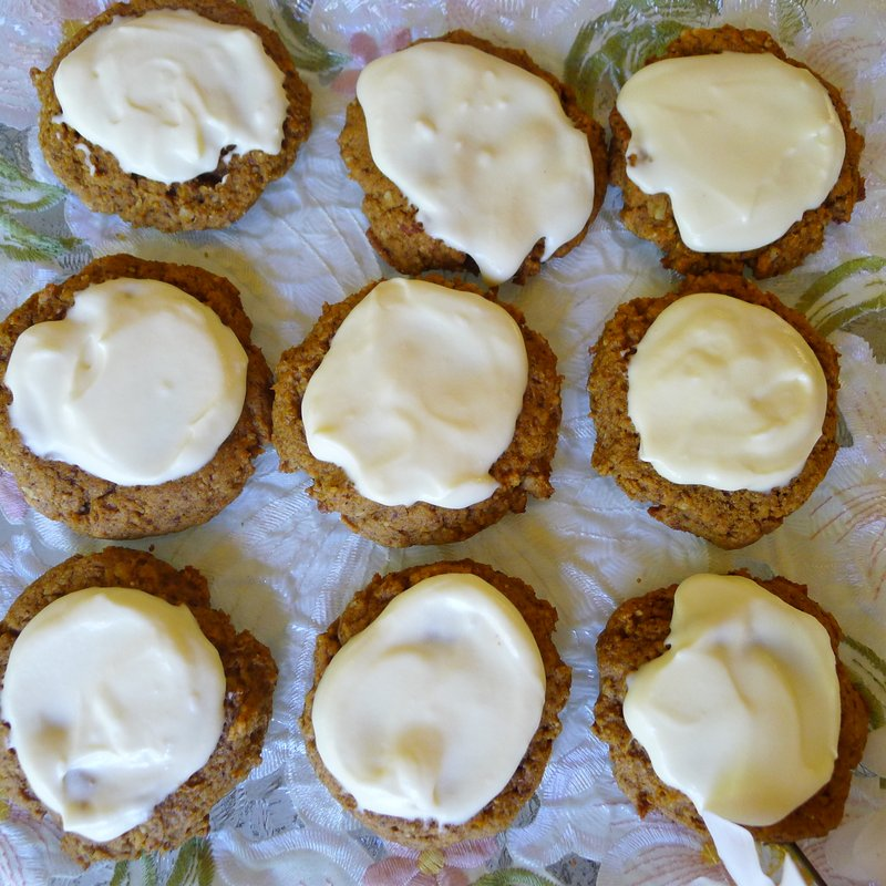 ... BY JENNIFER ELOFF: PUMPKIN SPICE COOKIES WITH CREAM CHEESE FROSTING