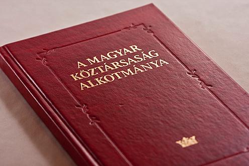 """Képtalálat a következőre: """"A harmadik alkotmány 1989"""""""