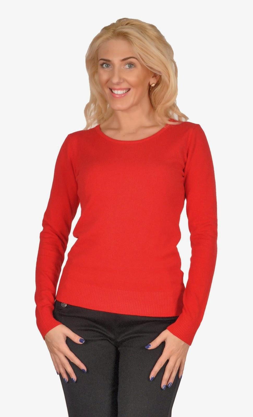 pulover rosu cu broderie spate