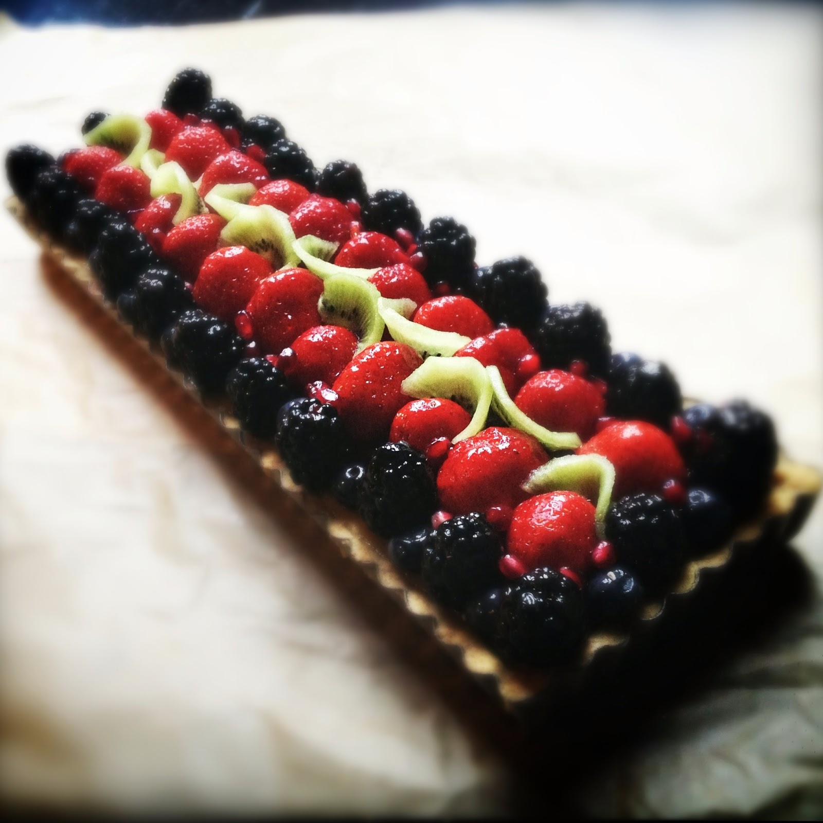 Bakes!: Key Lime Fruit Tart with Graham Pate Brisee