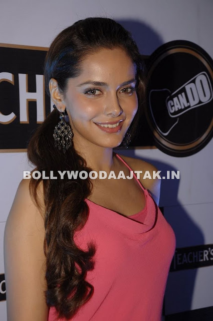 Neha Dhupia, Shazahn Padamsee, Sonal Chauhan 1 - Neha Dhupia, Shazahn and Sonal Chauhan at Teachers scotch launch