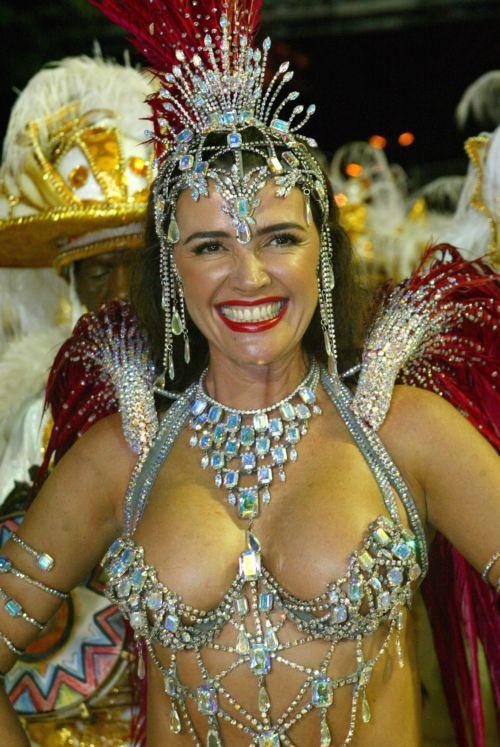 Brazilian carnival 2011 paola - 1 2