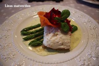 http://lizasmatverden.blogspot.no/2012/03/torsk-med-urtesaus.html