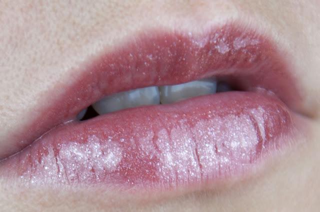 Catrice Shine Appeal Fluid Lipstick - 120 Nude Tritious