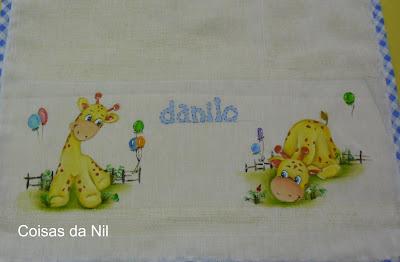 """""""fralda pintada com girafas e balões"""""""