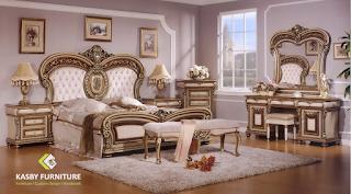 Set Tempat Tidur Model Bombay Mewah set bedroom ini terdiri dari Dipan, 2 nakas, Dresser + Cermin, Drawer dan Puff. selain desain yang klasik dan mewah furniture ini   mengikuti trend yang berkembang . set bedroom ini cocok untuk apartement, hotel maupun villa . set bedroom   yang kami sediakan variabel dari yang ukiran, minimalis dll.Untuk melihat model set bedroom atau tempat tidur yang lain silahkan lihat disini. Kami juga menerima pesanan custom made atau desain dari pembeli. kami akan membantu untuk merealisasikan keinginan anda.