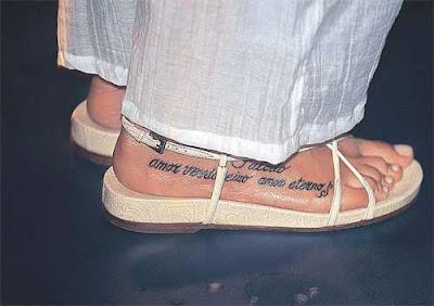 Tatuagens no Pé com Frases