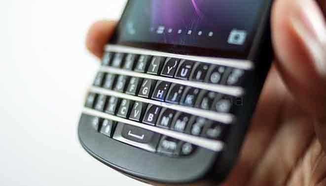 Prototype Blackberry q20