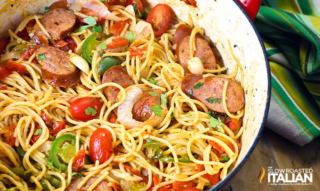 http://theslowroasteditalian-printablerecipe.blogspot.com/2015/08/one-pot-mexican-pasta-and-sausage.html