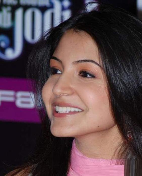Anushka Sharma 11
