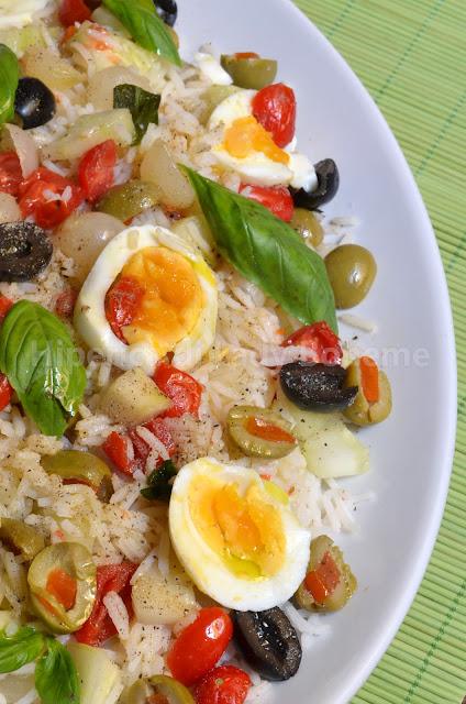 hiperica_lady_boheme_blog_di_cucina_ricette_gustose_facili_veloci_insalata_di_riso_basmati_con_pomodori_datterini_e_uova_sode_2