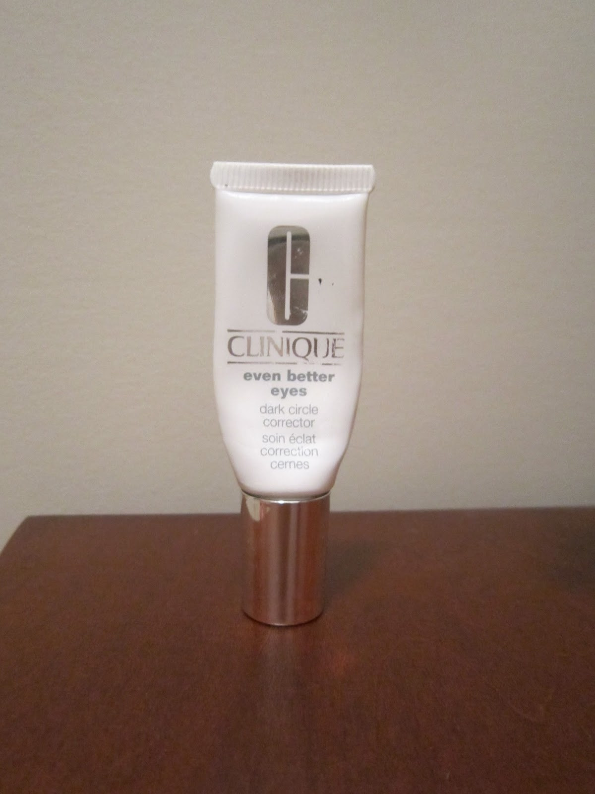 My Makeup Issues: Clinique Even Better Eyes Dark Circle