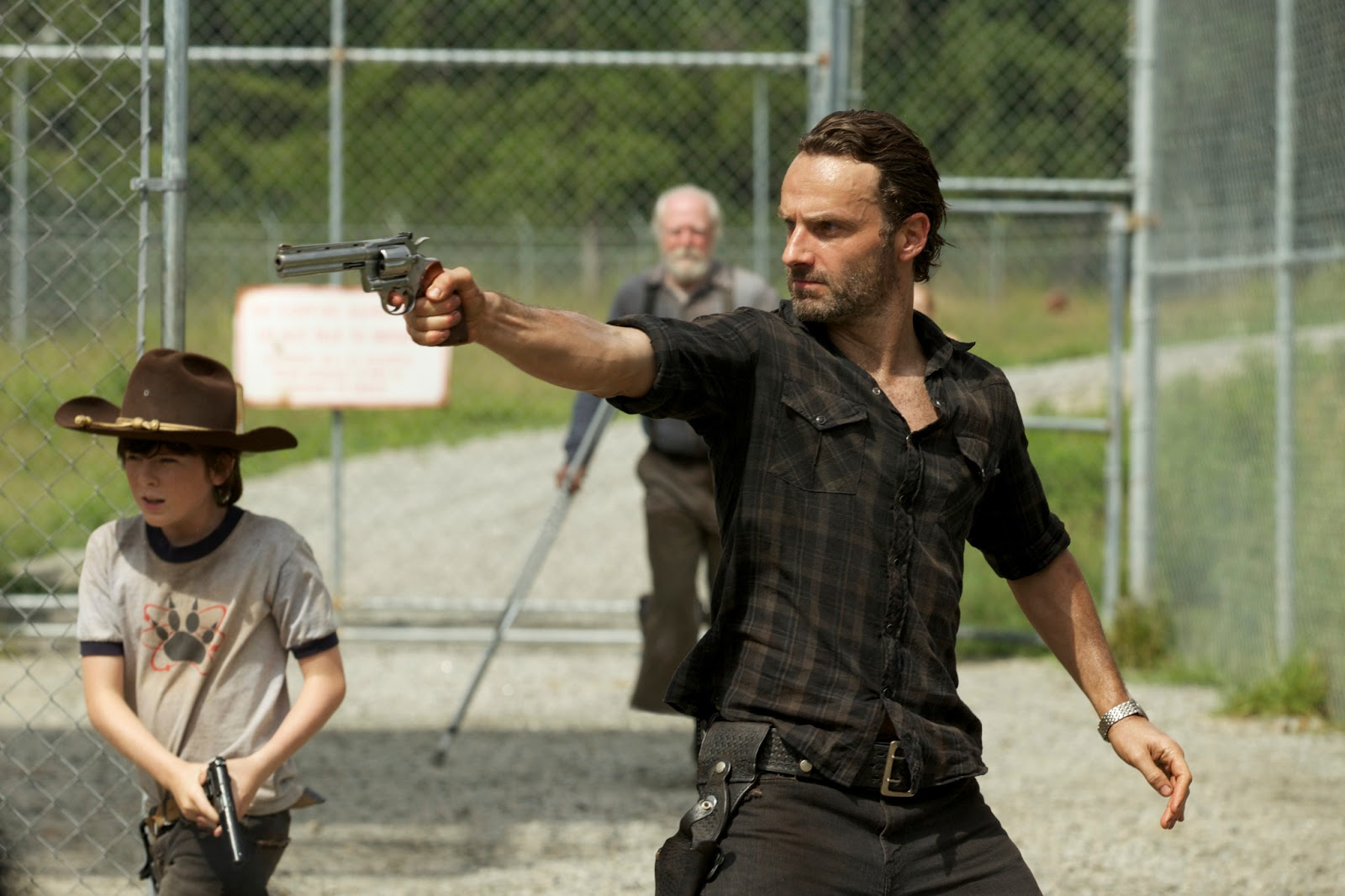 resume Walking Dead Resumes the walking resumes explosive third season on fox philippines this february 16