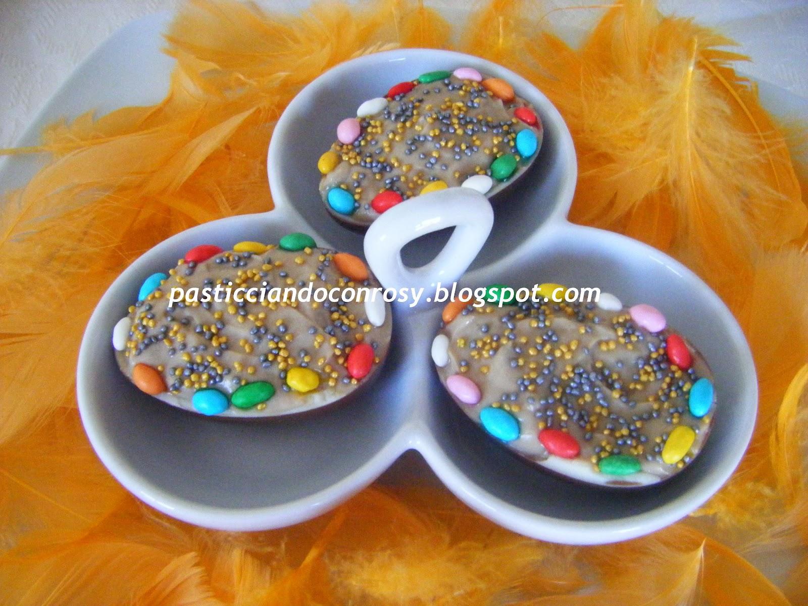 Uova di cioccolato ripiene pasticciando con rosy - Uova di pasqua decorati ...
