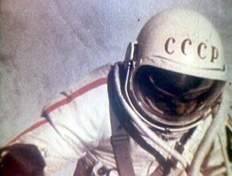 Alexei Leonov, el hombre que dio el primer paseo espacial  Leonov