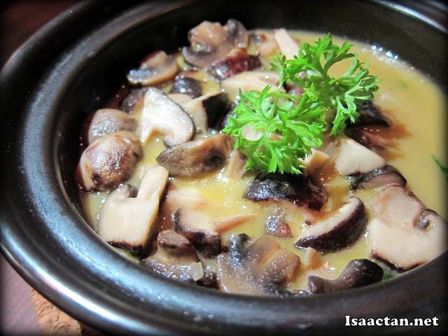Mushroom Tapas at Comida Solaris Dutamas