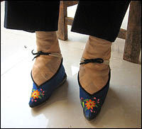 Lotus Shoes, Cina