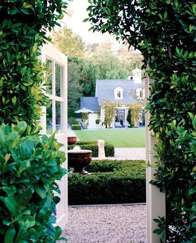 shabby chic gardens 2012 i heart shabby chic. Black Bedroom Furniture Sets. Home Design Ideas