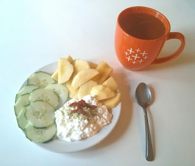 fruit and cheese quick healthy meal