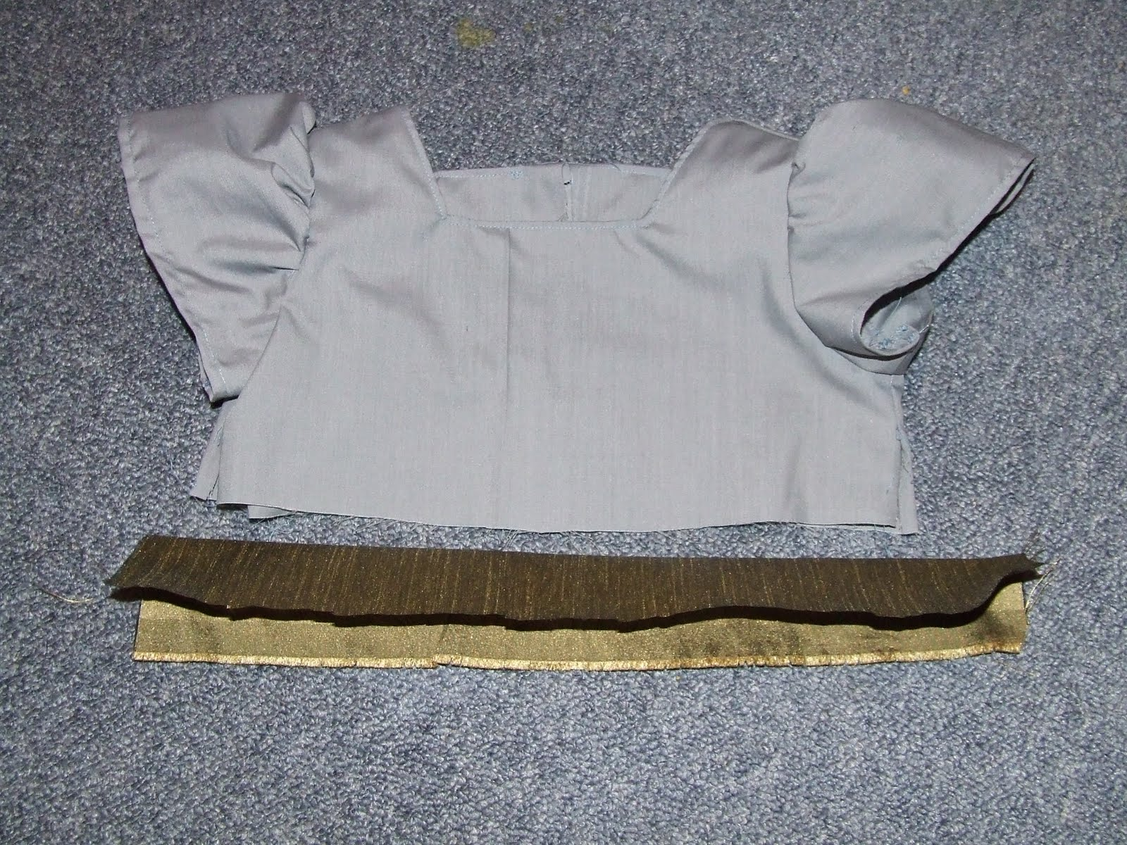 Making a dress with a belt/bow tied at the back