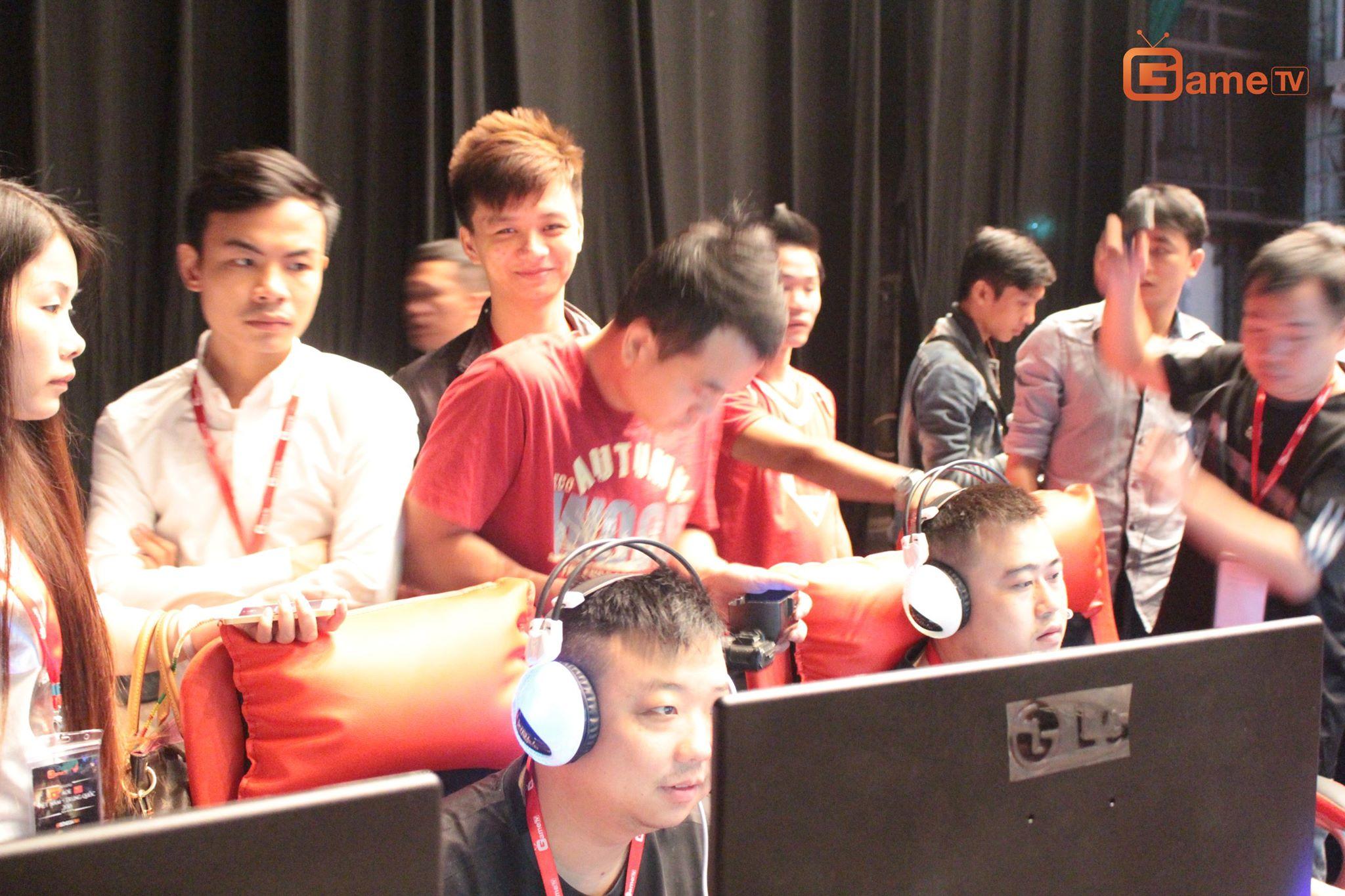 ShenLong rất háo hức và thích thú khi xem Vô Thường thi đấu