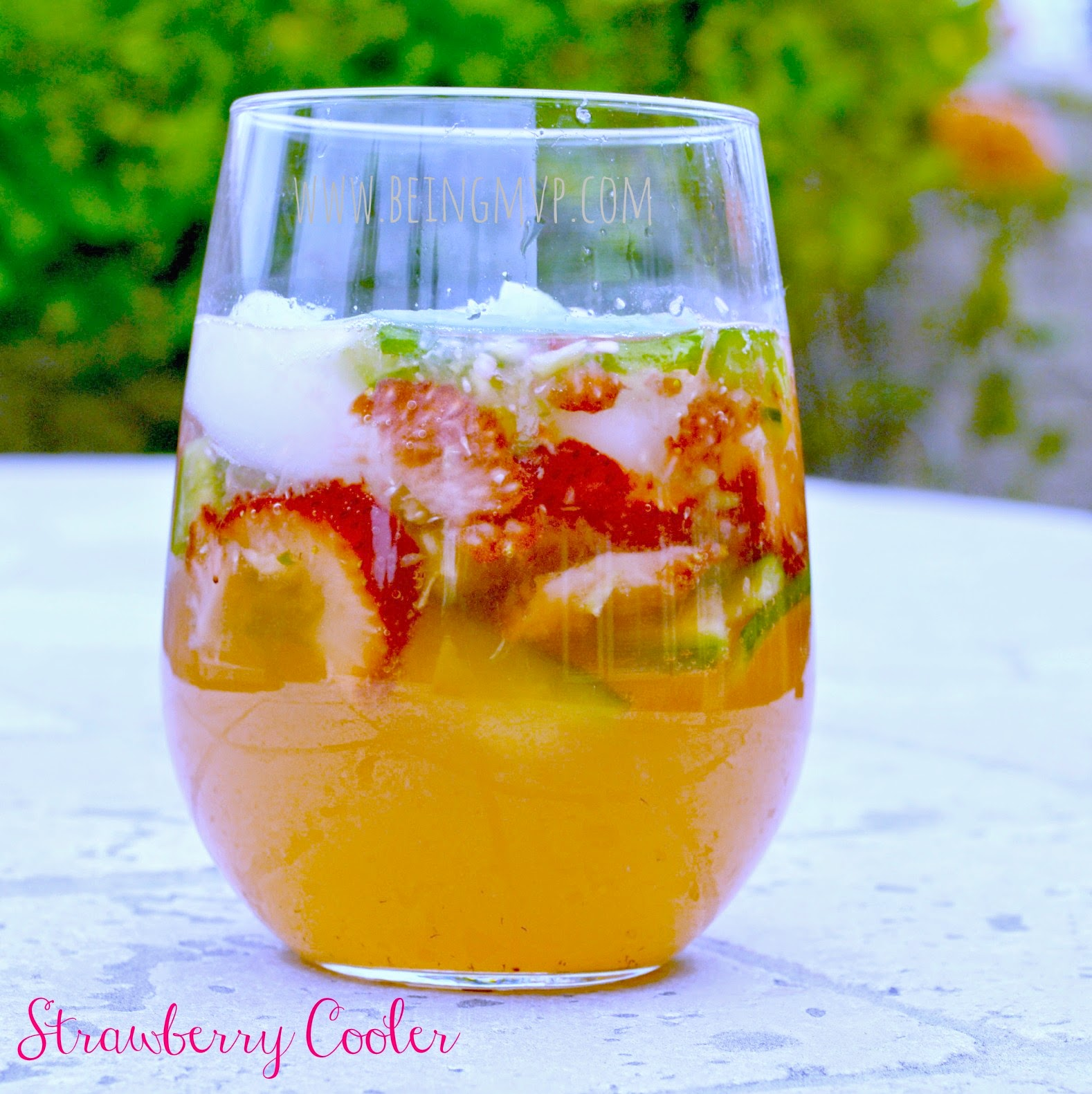 how to make strawberry mocktail